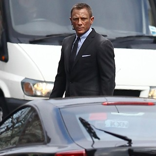 Daniel Craig in Filming A Scene for The New James Bond Film Skyfall