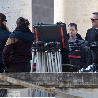 Daniel Craig in On The Set for Movie Spectre - daniel-craig-on-the-set-spectre-06