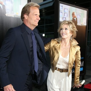 Jeff Daniels, Jane Fonda in HBO's The Newsroom Los Angeles Premiere