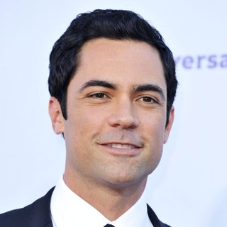 Danny Pino in 2012 NCLR ALMA Awards - Arrivals - danny-pino-2012-nclr-alma-awards-01