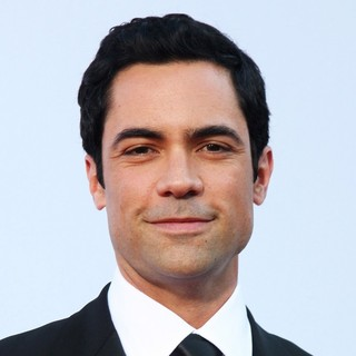 Danny Pino in 2012 NCLR ALMA Awards - Arrivals - danny-pino-2012-nclr-alma-awards-02