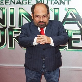 Danny Woodburn in Los Angeles Premiere of Teenage Mutant Ninja Turtles - Arrivals
