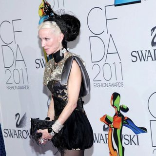 Daphne Guinness in The 2011 CFDA Fashion Awards
