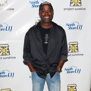 Darius Rucker in The 9th Annual Project Sunshine: Sunshine in The City Benefit