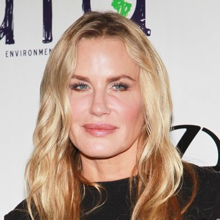 Daryl Hannah in 2012 Environmental Media Awards - Arrivals