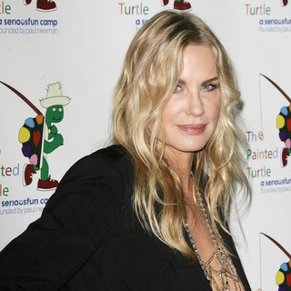 Daryl Hannah in A Celebration of Carole King and Her Music to Benefit Paul Newman's The Painted Turtle Camp - daryl-hannah-painted-turtle-camp-01