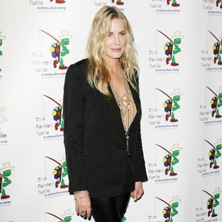 Daryl Hannah in A Celebration of Carole King and Her Music to Benefit Paul Newman's The Painted Turtle Camp - daryl-hannah-painted-turtle-camp-02