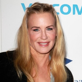 Daryl Hannah in The Fulfillment Fund's STARS 2012 Benefit Gala - Arrivals - daryl-hannah-stars-2012-benefit-gala-01