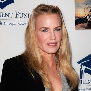 Daryl Hannah in The Fulfillment Fund's STARS 2012 Benefit Gala - Arrivals - daryl-hannah-stars-2012-benefit-gala-02