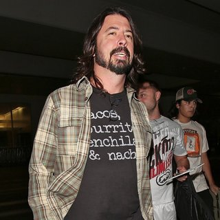 Dave Grohl, Foo Fighters in Dave Grohl Enjoys Being in Los Angeles After Leaving LAX
