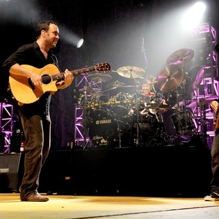 Dave Matthews Band Performing Live at PalaSharp - dave-matthews-band-performing-live-at-palasharp-11