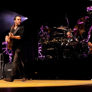Dave Matthews Band Performing Live at PalaSharp - dave-matthews-band-performing-live-at-palasharp-12