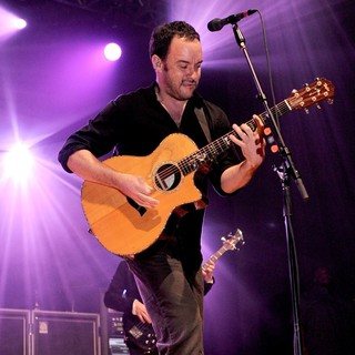 Dave Matthews Band Performing Live at PalaSharp - dave-matthews-band-performing-live-at-palasharp-13