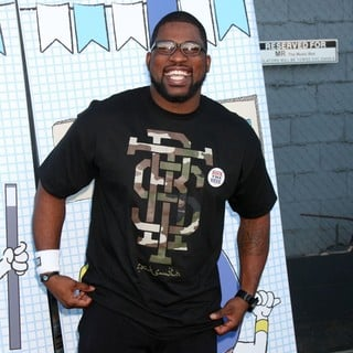 David Banner in The 2010 Ultimate Slam PaddleJam Celebrity Ping Pong Tournament