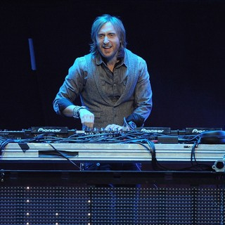David Guetta in The Y100 Jingle Ball 2011