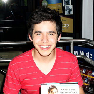 David Archuleta Performs and Signs Copies of His New Book