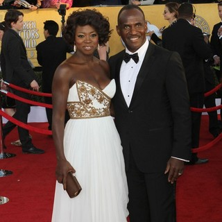 Viola Davis, Julius Tennon in The 18th Annual Screen Actors Guild Awards - Arrivals