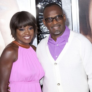 Viola Davis, Julius Tennon in The New York Premiere of Extremely Loud and Incredibly Close - Arrivals