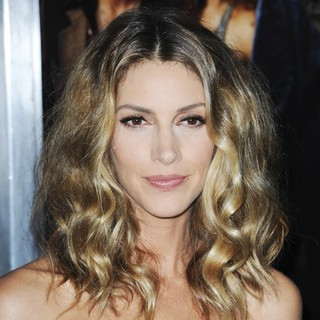 Dawn Olivieri in Film Premiere American Hustle