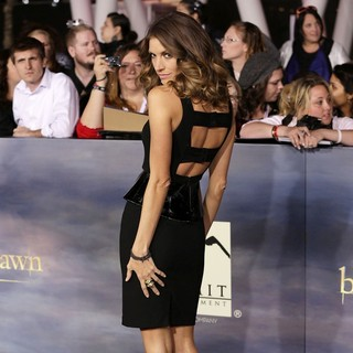 Dawn Olivieri in The Premiere of The Twilight Saga's Breaking Dawn Part II