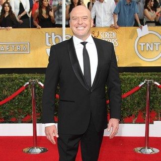 Dean Norris in The 20th Annual Screen Actors Guild Awards - Arrivals