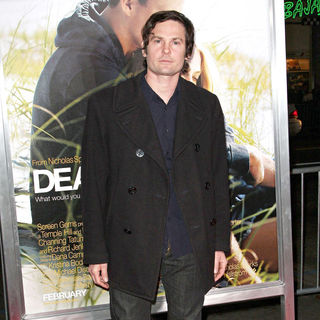 Henry Thomas in The Los Angeles Premiere of 'Dear John' - Arrivals - dear_john_premiere_17_wenn2730990