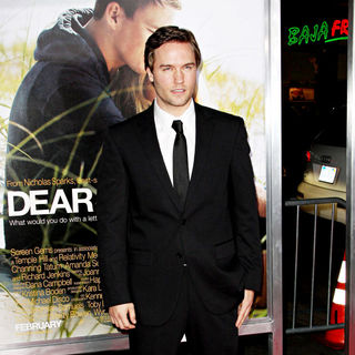 Scott Porter in The Los Angeles Premiere of 'Dear John' - Arrivals