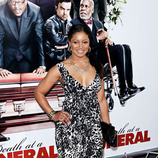 Tamala Jones in World Premiere of 'Death at a Funeral'