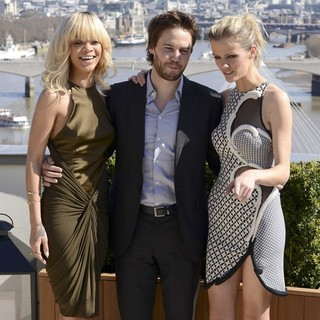 Brooklyn Decker, Taylor Kitsch, Rihanna in The London Photocall for Battleship