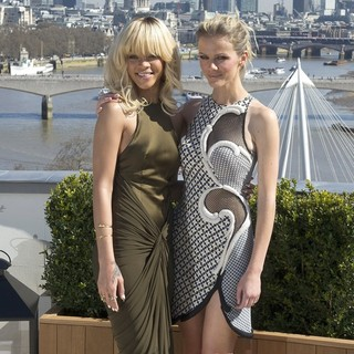 Brooklyn Decker, Rihanna in The London Photocall for Battleship