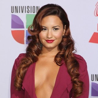 Demi Lovato in The 12th Annual Latin GRAMMY Awards - Arrivals