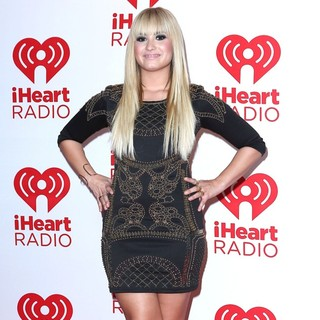 Demi Lovato in 2012 iHeartRadio Music Festival - Day 1 - Arrivals