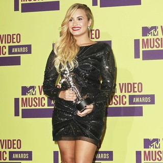 Demi Lovato in 2012 MTV Video Music Awards - Press Room