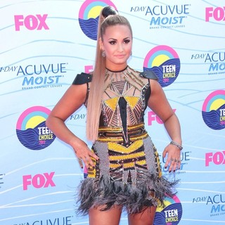 Demi Lovato in The 2012 Teen Choice Awards - Arrivals
