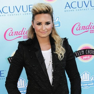Demi Lovato in 2013 Teen Choice Awards