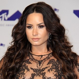 Demi Lovato - MTV VMA Awards 2017 - Arrivals