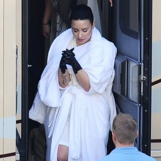 Demi Lovato - Demi Lovato Spotted on The Set of Her Music Video Heart Attack Sporting Black Painted Hands