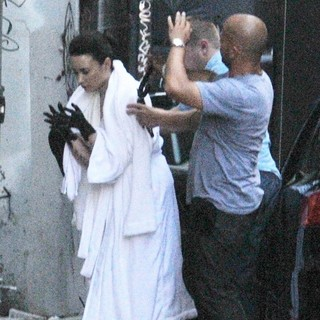 Demi Lovato in Demi Lovato Spotted on The Set of Her Music Video Heart Attack Sporting Black Painted Hands