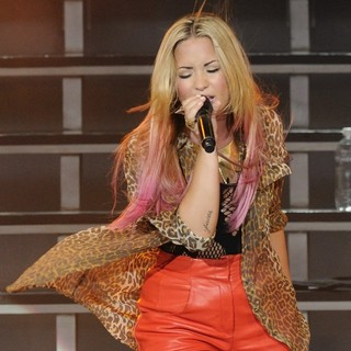 Demi Lovato in Demi Lovato Performs During Her Unbroken Tour