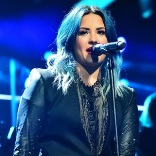 Demi Lovato in Y100's Jingle Ball 2013 Presented by Jam Audio Collection - Concert