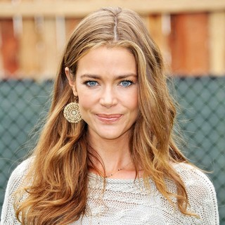 Denise Richards in 22nd Annual Time for Heroes Celebrity Picnic Sponsored by Disney