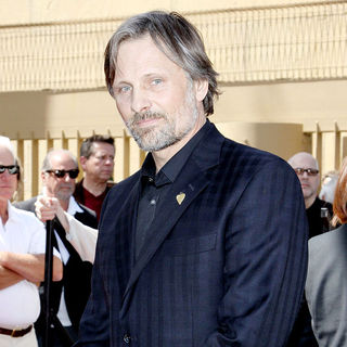 Viggo Mortensen in Dennis Hopper is honored with the 2,403rd Star on the Hollywood Walk of Fame
