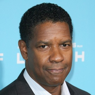 Denzel Washington in The Los Angeles Premiere of Flight - Arrivals