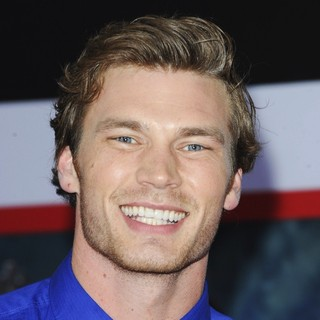 Derek Theler in Iron Man 3 Los Angeles Premiere - Arrivals