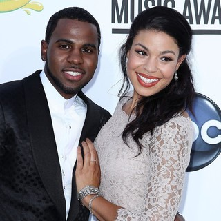 Jason Derulo, Jordin Sparks in 2012 Billboard Music Awards - Arrivals