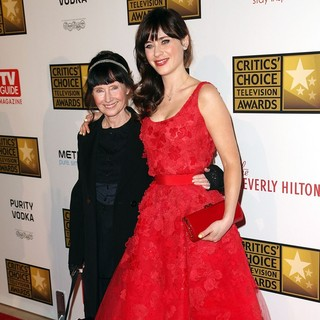 Mary Jo Deschanel, Zooey Deschanel in 2012 Critics' Choice TV Awards - Arrivals