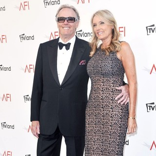 Peter Fonda, Margaret DeVogelaere in The 40th AFI Life Achievement Award Honoring Shirley MacLaine