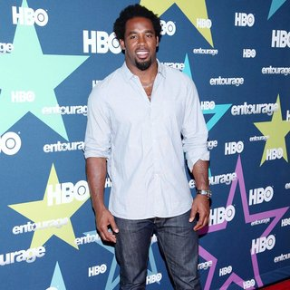 Dhani Jones in Final Season Premiere of HBO's Entourage