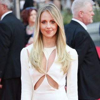 Diana Vickers in World Premiere of One Direction: This Is Us - Arrivals - diana-vickers-uk-premiere-one-direction-this-is-us-03