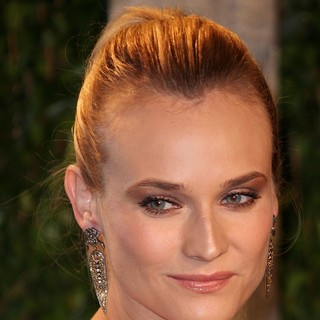 Diane Kruger in 2012 Vanity Fair Oscar Party - Arrivals - diane-kruger-2012-vanity-fair-oscar-party-01
